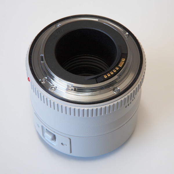 Canon EF 2x II contact points